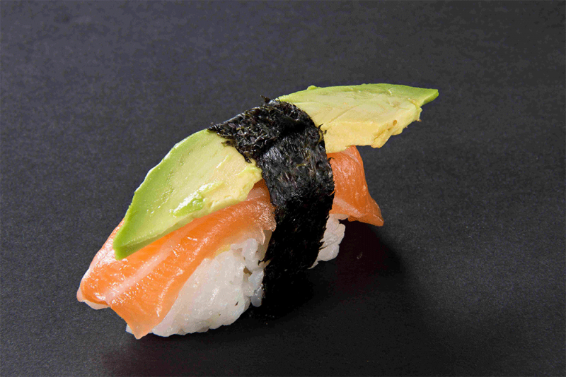115 SUSHI SAUMON AVOCAT FROMAGE